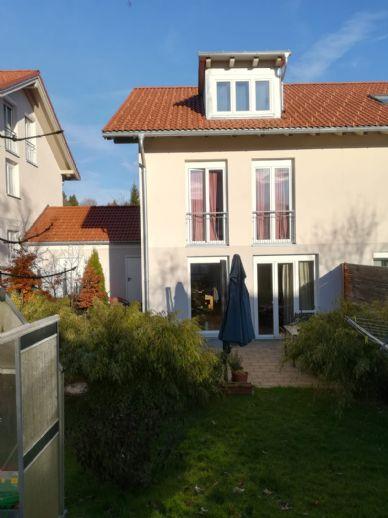Wunderschöne neuwertige und sonnige Doppelhaushälfte mit Garage in ruhiger Lage nahe Kempten (Ahegg)