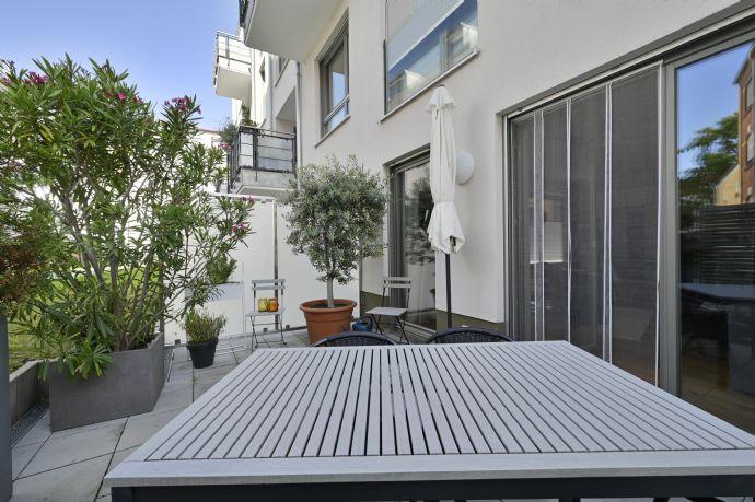 Großzügige EG-Wohnung inmitten der Altstadt mit Terrasse, Tiefgarage, Gäste WC, EBK, Innenhoflage, zum Selbstbezug