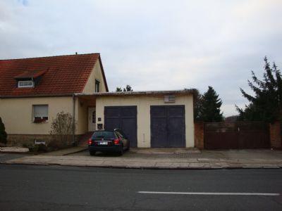 Haus mit Garage + Zufahrt