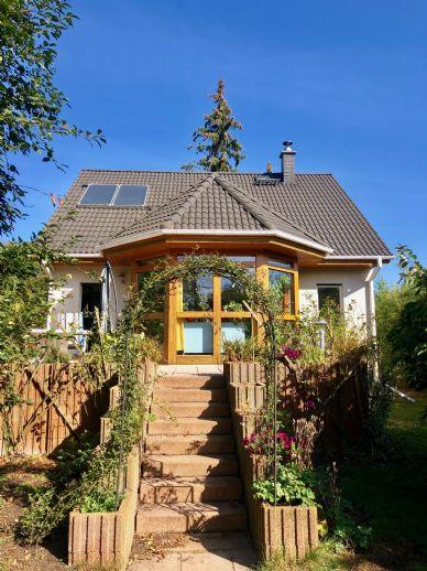 LEHNITZSEE-IMMOBILIEN: Wassergrundstück mit Einfamilienhaus
