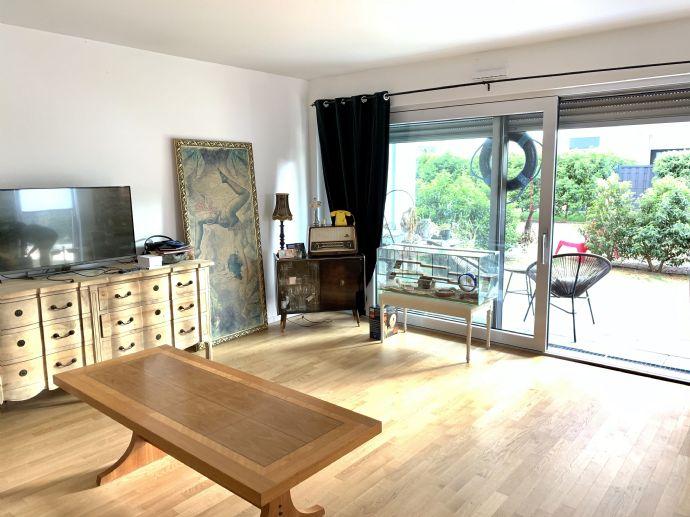 Exklusive Erdgeschoss 3-Zimmer-Wohnung in der Gartenstadt Reitzenstein