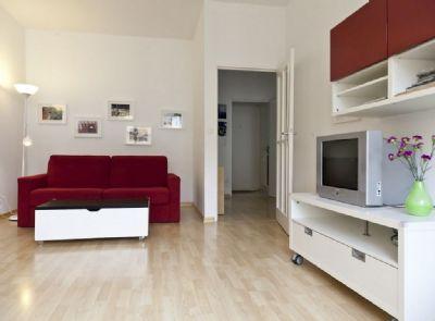 ein zimmer wohnung apartment m nchen 2bbra4h. Black Bedroom Furniture Sets. Home Design Ideas