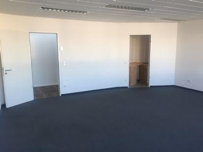 Eingang / kleine Küche