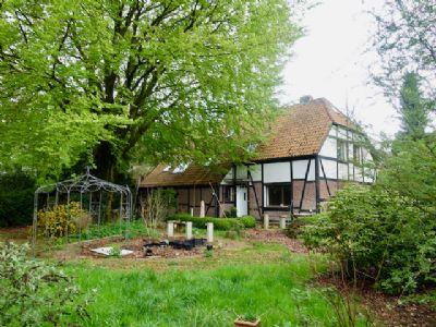 Reserviert -Ruhiges Landhaus-/Fachwerkhaus-Anwesen mit 7 Wohneinheiten, Pferde-Stallboxen und sehr viel Potenzial