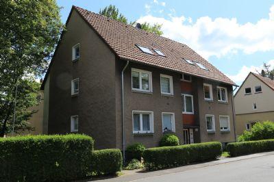Hübsche Dachgeschoss-Wohnung in Bissingheim mit Balkon, gut vermietet