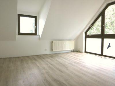 wundersch ne gro e 3 zi dachgeschosswohnung mit. Black Bedroom Furniture Sets. Home Design Ideas