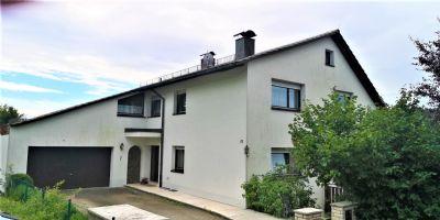 Großzügiges Haus mit Einliegerwohnung und Fernblick ins Aurachtal