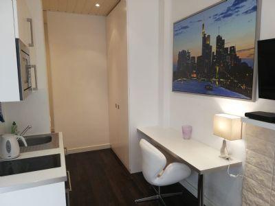 perfektes Studio-Businessappartements, spektakulärer Blick auf EZB-Tower! kernsaniert - nur 799 €