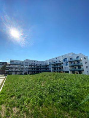Erstbezug: Wunderschöne und helle 2-Zi-WHG mit EBK, Balkon sowie Bestausstattung