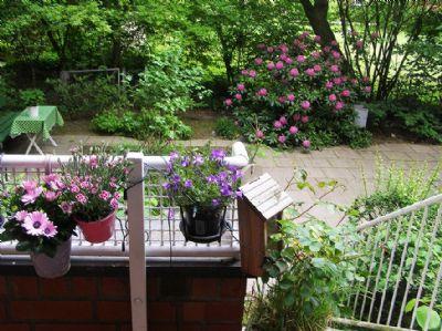 sch ne wohnung 2 balkone mit gartenanteil m bliert in. Black Bedroom Furniture Sets. Home Design Ideas