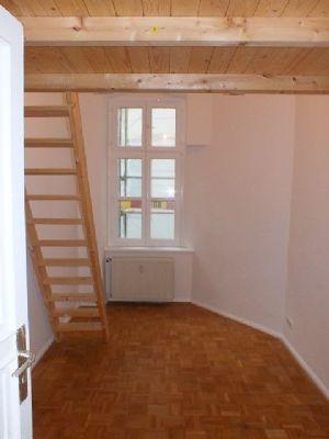 gro e 4 zimmer wohnung in kreuzberg etagenwohnung berlin 2bggc43. Black Bedroom Furniture Sets. Home Design Ideas