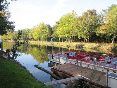 Ernst-August-Kanal liegt gegenüber dem Objekt