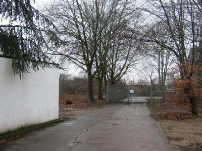 Großenbaumer Allee 95 Zufahrt