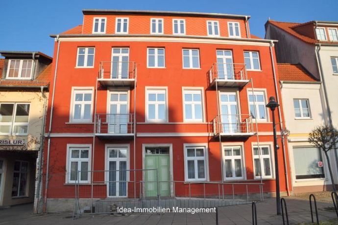Altersgerechte Wohnung mit Fahrstuhl und zwei Balkone zu vermieten