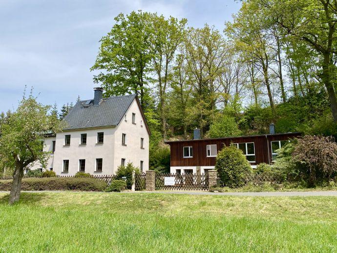 2 Einfamilienhäuser in grüner und idyllischer Lage