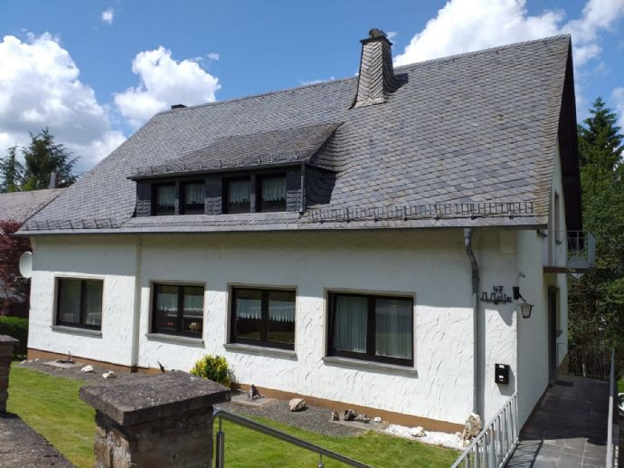 Deuselbach am Erbeskopf, Einfamilienhaus mit 2 Garagen und 2 Grundstücken (919m²+ 576m²) = 1495 m² Grund, Wohnfläche 172,70m² i