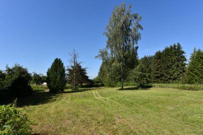 * Naturnahes Grundstück in Leun-Stadt *