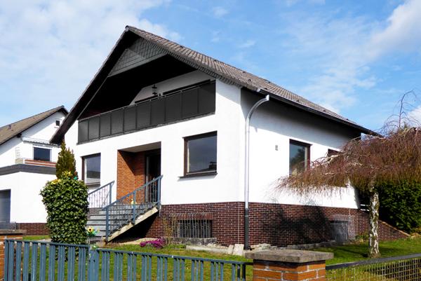 Espenau: Sehr großzügiges Einfamilienhaus mit Doppelgarage zum sofortigen Einzug