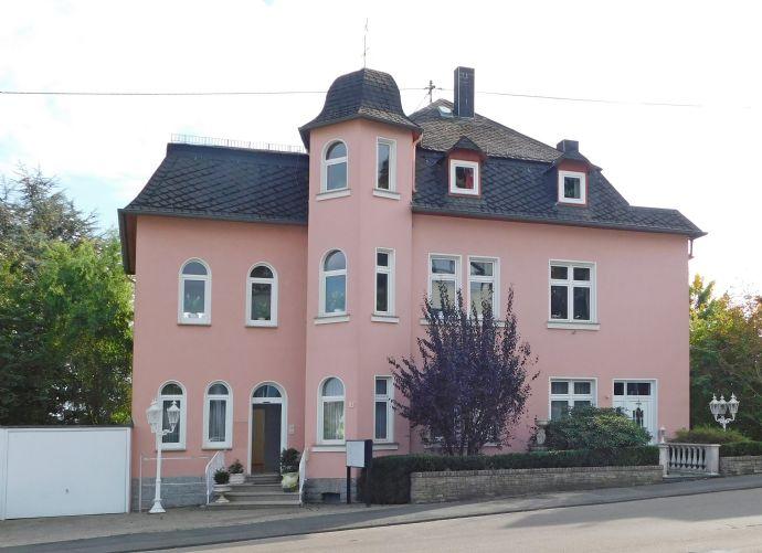 Mehrfamilienhaus am Stadtzentrum!