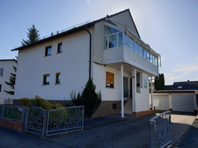 Zweifamilienhaus mit Garten und Doppelgarage in ruhiger, schöner Wohnlage