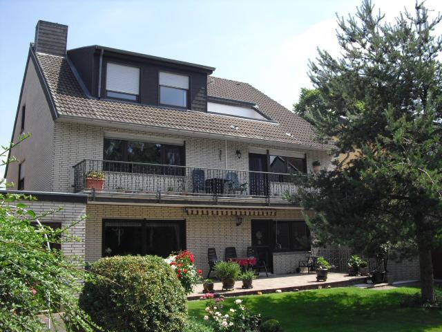 2-Zimmer-Wohnung in 2. OG mit Balkon und Einbauküche