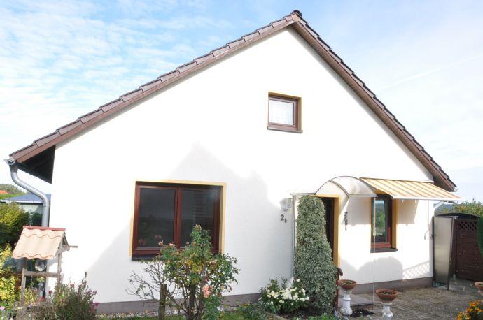 Einfamilienhaus (Bungalowstil) mit Ausbaufläche in Mühl Rosin (Güstrow)