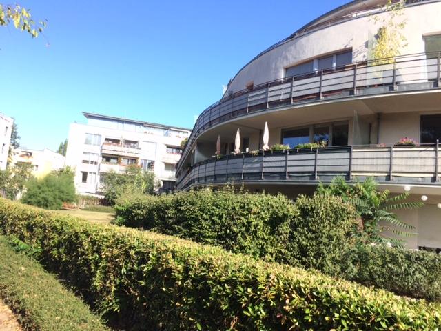 2 R Wohnung mit großem Balkon und Grünblick