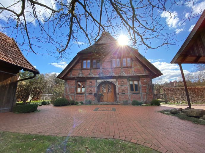 Reetgedecktes Fachwerkhaus / Bauernhaus / Landhaus, Waldrandlage