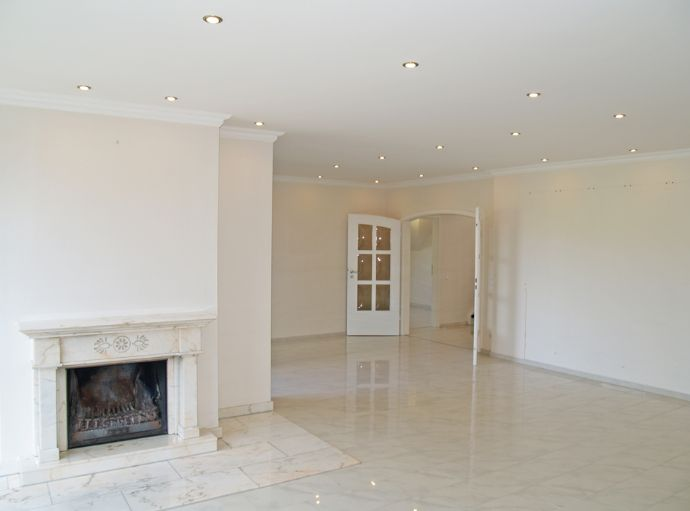 Komfortable Maisonette-Wohnung mit räumlichen Möglichkeiten eines repräsentativen Home Office