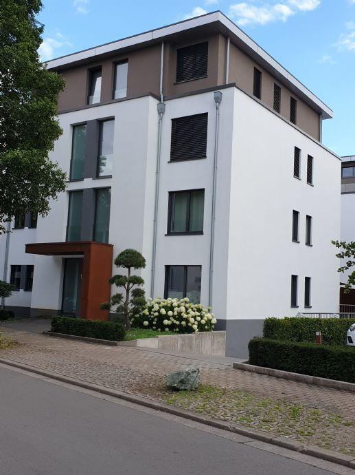 PENTHOUSE AUF WUNSCH MÖBILIERT IN SAARLOUIS/STADTNAH - EXKLUSIV UND BARRIEREFREI MIT CA. 90 m² WOH