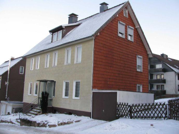 ROLOFF-IMMOBILIEN: Mehr-Familienhaus im Oberharzer Kurort Braunlage, in zentraler, ruhiger Lage, Ferienobjekt