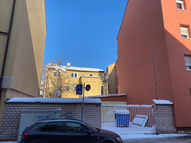 Baugrundstück für ein Mehrfamilienhaus (Baulücke) mit Altbestand (Hinterhaus) zu verkaufen! Nähe Hauptbahnhof!