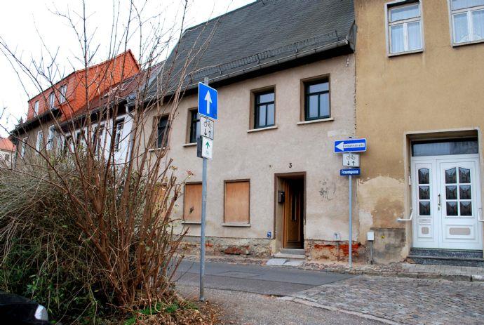 2 geschossiges Massivhaus im Zentrum von Altenburg