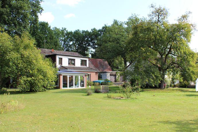 Zwei Häuser in traumhafter Lage, auf einem großen Grundstück in Winsen (Aller) - OT Stedden