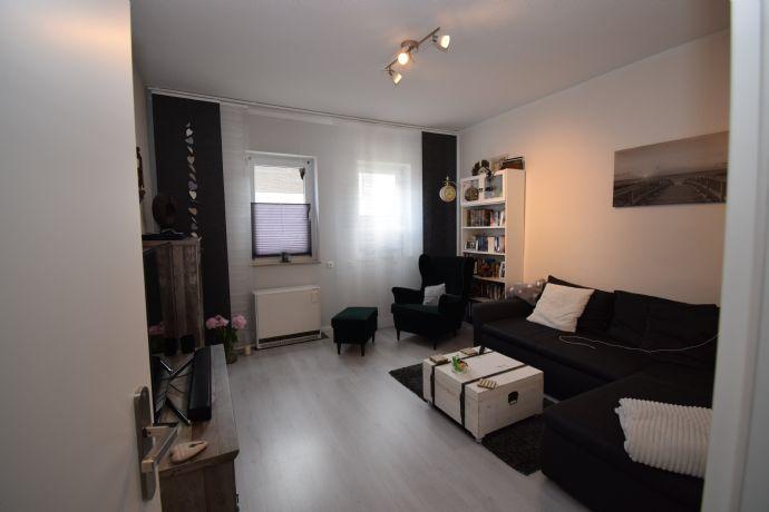 2-Zimmer-Wohnung mit Einbauküche und Stellplatz