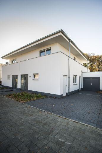 PROVISIONSFREI! Lichtdurchflutetes Haus in Bestlage (Süd-West-Ausrichtung) in Köln - Fühlingen
