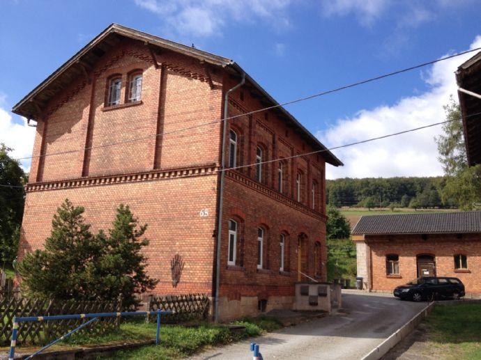 Top saniertes Mehrfamiliehaus mit Nebengebäuden, Garten, Stellplätzen