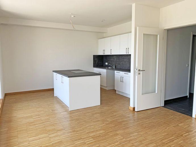 Moderne 3 Zimmer Penthouse Wohnung in der Nähe des Tierparks Hagenbeck
