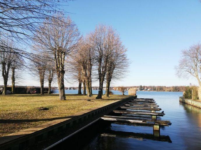 Energieeffizientes Einfamilienhaus am Dämeritzsee mit eigenem Bootsliegeplatz und direktem Seezugang!