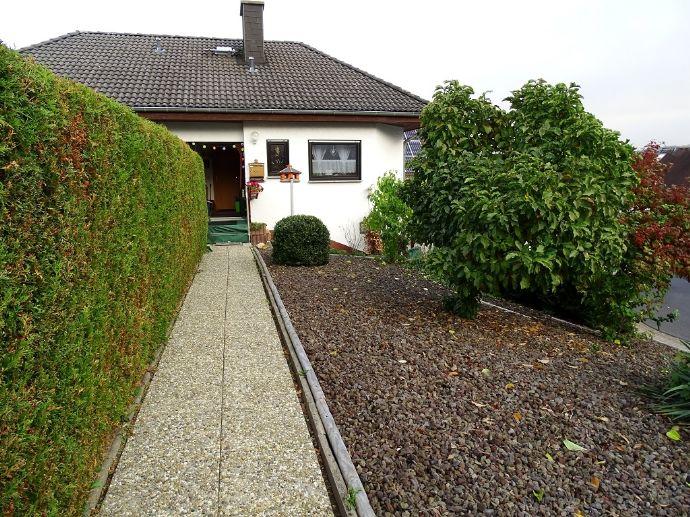 °°° Attraktives 2-FH mit Terrassen und Garten in der Burgstadt Katzenelnbogen °°°