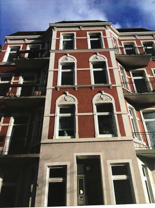 Hamburg-Eppendorf Hochwertig sanierte 3,5 Zimmer-Altbauwohnung mit Garten in urbaner Lage