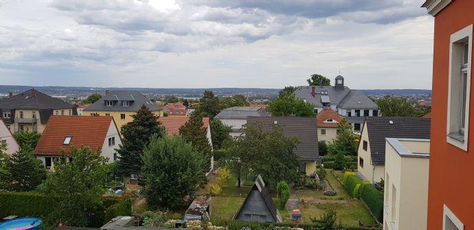 Sonnige 3-RW-Mais.-Wohnung mit Einbauküche u. Gäste-WC in Dresden-Briesnitz