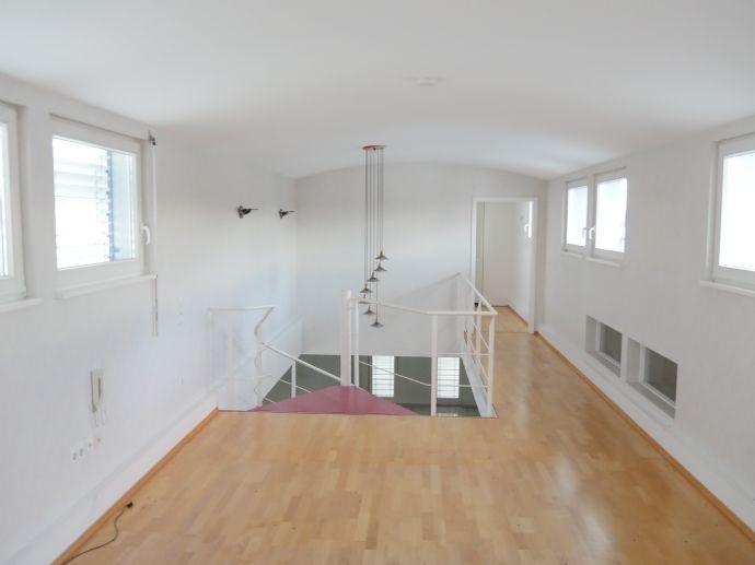 Maisonette-Wohnung mit Garten, Balkon und Wintergarten