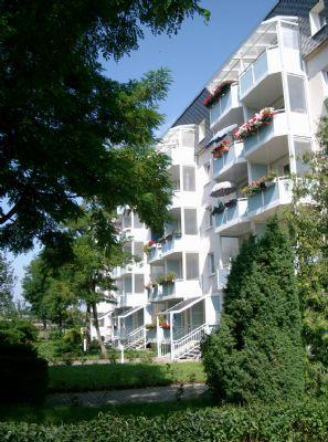 Mit Balkon! 2-Raum-Wohnung im Erdgeschoss eines sanierten ruhigen Wohnhauses