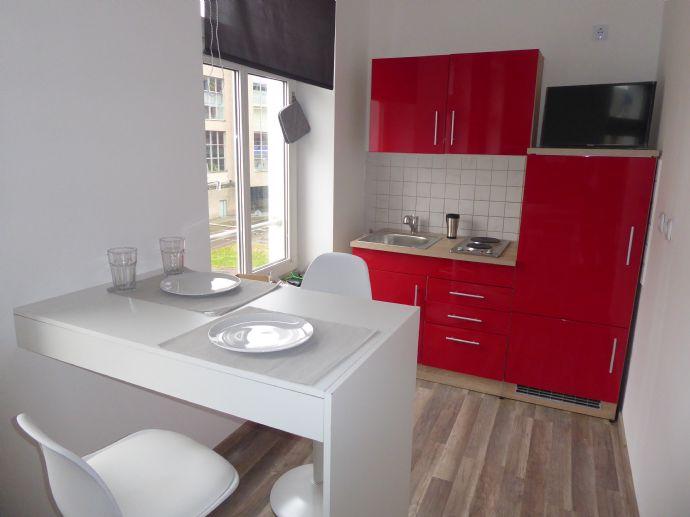 Krefeld-City/zentraler gehts kaum- Nähe HBF - neumöbliertes Appartement, inkl.Einbauküche, frisch renoviert..-FREI-