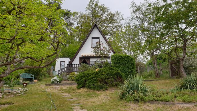 Gartengrundstück mit 2 Hütten zu verkaufen