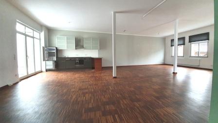 Loftartige - modern Style Wohnung - in Heroldsberg, Dachterrasse, EBK,Gäste-WC, Stellplatz