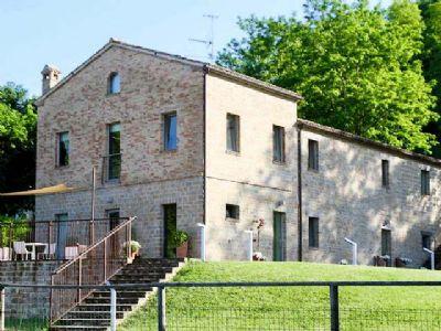 Castelplanio Renditeobjekte, Mehrfamilienhäuser, Geschäftshäuser, Kapitalanlage