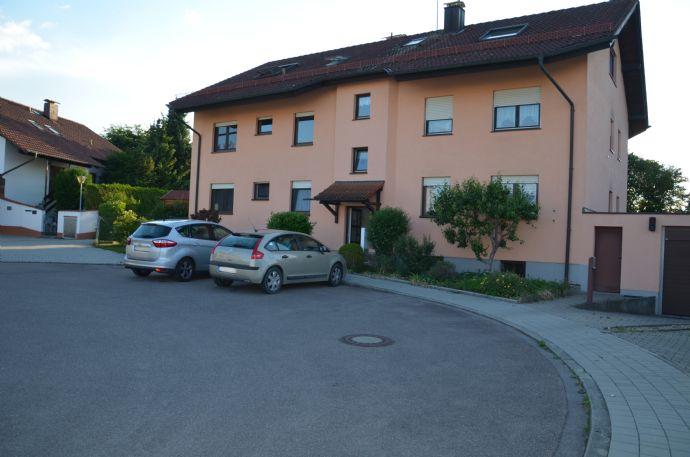 3,5-Zi.-Wohnung mit Terrasse und TG-Platz in Etting