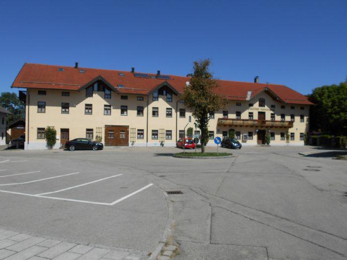 Repräsentatives Mehrfamilienhaus in Schnaitsee, Ortsteil Waldhausen, zu verkaufen